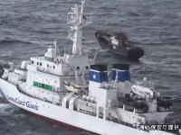 海上保安庁の巡視船が北朝鮮の船を撃退している様子。EEZ大和堆