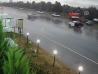 対向車を粉砕したスピード出しすぎ事故の映像がヤバい。コワすぎ。