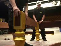 【知る】ビリヤード台の組み立て方、設置方法。職人の技術が必要なんだな。