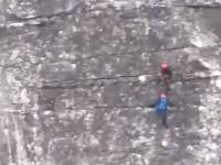 南アフリカのテーブルマウンテンで事故死した日本人登山客の映像が公開される。