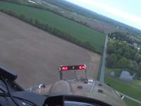 広大な小麦畑に飛行機で農薬を散布するパイロットのお仕事拝見動画。