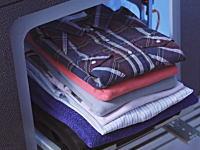 洗濯物を自動で畳んでくれる夢のようなマシンの試作機が完成。FoldiMate。