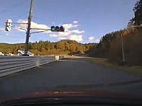 おいカプチーノ(´・_・`)サーキット走行でこれはひどい事故の車載ビデオ。