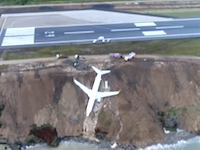 トルコでボーイング737-800が崖から落下。ウソみたいなホントの映像がキタゾwww