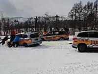 白馬栂池のSUBARUゲレンデタクシーで事故。下手したら死人が出てた可能性だってある。