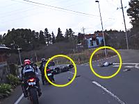 救急対応。ツーリング中に怪我人のいる事故に遭遇したという記録映像。ヘルメットカム。