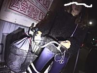 お姉ちゃんすっごい顔www自転車の逆走許さない隊の活動動画がプチ炎上中。