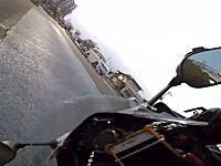 バイクは簡単に転倒する。無理して砂利ゴケしたYZF-R1乗りの車載ビ。