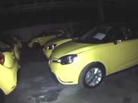 閉鎖工場探検。放棄された自動車工場の中に新車がいっぱい残されていた。