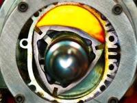 4K画質。ロータリーエンジンの燃焼の仕組みをスケルトンモデルで見える化スローモーション。