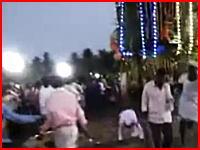 お祭りで死亡事故。飾り山車の前で転倒してしまった男性が踏まれてしまう。