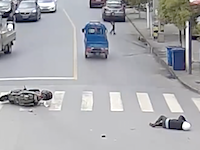 中国の当て逃げ追跡がすごい。目撃者が追いかけて犯人の車をひっくり返してしまう。