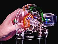 鍵の仕組み。ダイヤル錠の内部がどのように動いているのかシースルーモデルで見せてくれる動画。