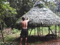 原始生活の人(本家)による大雨にも耐えられるまあるい小屋の建て方。
