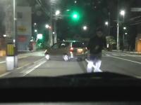 キチ○イすぎコワタwww煽り運転してきたヤツが車で体当たり&猛ダッシュで追いかけてくる車載。