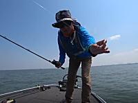 オレオレ動画。祝!琵琶湖でロクマル釣りました!管理人のバス釣り動画。