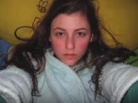 14歳の少女が魅力的な女性へと成長する8年間の記録を1000枚の写真で。 | 1000mg