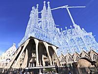 バルセロナの街並みをフォトショップで勝手に改造するショートビデオが楽しい。