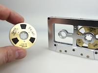 オー・カセ。1984年に商品化された磁気テープを交換できるカセットテープが面白い。