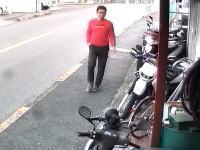 バイクはこうして盗まれる。豊中のバイク販売店からヤマハランツァ(DT230)が盗まれる一部始終