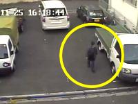 ご近所トラブル?車にイタズラされまくる防犯カメラの映像が怖い。消火器でバーン。