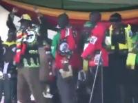 ジンバブエで大統領を狙った暗殺未遂事件が発生(動画)爆弾で15人が負傷。