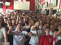 ビール舞いすぎwwwワールドカップのパナマ戦を観戦していたイングランドファンたちが激しい。