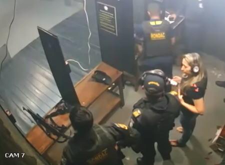 これは何が原因なんだ?ブラジルの室内射撃場で起きた大炎上事故の映像。