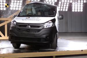 三菱の商用バンが自動車安全試験(ANCAP)で史上初の0つ星という不名誉に輝く。