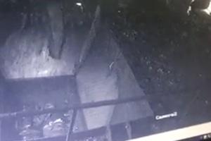 【最恐】大型シュレッダーに人間が落ちてしまうという最恐のトラウマ動画が発見される。(注意)