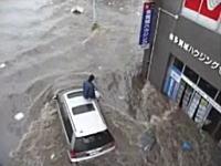 6月に入ってアップされた津波の動画。どれもこれもリアルで恐ろしい(@_@;)