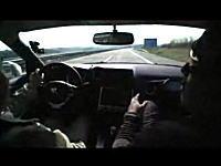 時速300kmでも会話しながらドライブできるGT-Rの高速性能 アウトバーン
