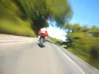 神編集で見るマン島TTレース2013。このレースだけは本当に次元が違う。