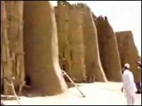風の谷、まるでナウシカの世界 イランの古い風車の映像