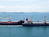 こんなに広い海でなぜ衝突する。貨物船に当てられた?船が転覆してしまう