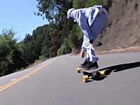なにこの爽快感。なが~い峠道をスケートボードで駆け下りる野郎たちの動画