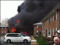 FA-18(戦闘機)が住宅街に墜落。その事故現場の映像。米バージニア州