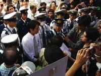 日本人よどこへ向かう?尖閣諸島問題でソフマップに詰め寄る人々のムービー