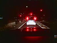 悪質追い越しのドライブレコーダー映像。おいおいそんなに急いでどこへ行く