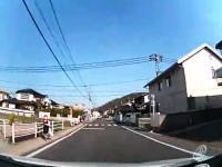 女児が間一髪で事故を回避する動画が話題に 撮影してるドライバーGJすぎる