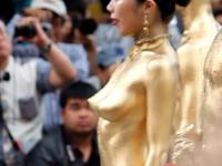 全身に金粉を塗ったら皮膚呼吸できなくなり窒息死するというのは都市伝説でショー2012