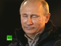 ロシアで大統領に当選したプーチンが涙を流す動画。そして世界大統領に・・・
