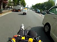 このチャリンコはええw(゚o゚)w原付バイクに追いつき追い越せ「あぶなかったぞ!」