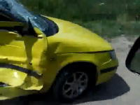 有り得ない程にボッコボコになった車を撮影していたら、大変な事になった