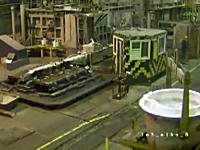 製鉄所で考えられる最大に恐ろしい事故。溶けたアルミの入った取鍋が横転したら・・・。