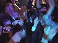 ホストクラブでシャンパンを頼むと盛り上げてくれる動画。シャンパンコール