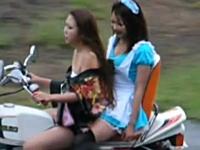 珍走レディースのお姉さんがセクシー。バイクに太ももってフェチを感じるね