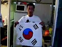 韓国炎上 韓国の国旗を料理して食べる中国人動画、韓国で非難殺到