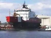かなり豪快な船の進水式の様子 見ろ、人がゴミのようだ