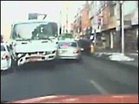 なにこれ恐ろしい(@_@;)極悪すぎるトラックを撮影した韓国のドラレコ動画